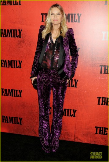 dianna-agron-michelle-pfeiffer-the-family-nyc-premiere-21