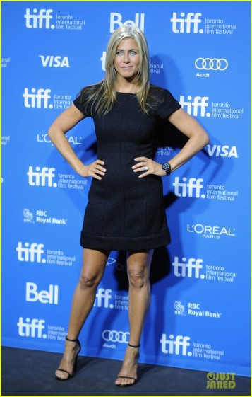 jennifer-aniston-life-of-crime-tiff-press-conference-01