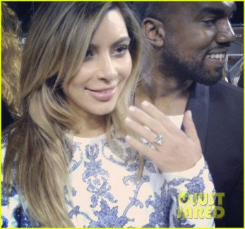 kim-kardashians-engagement-ring-see-the-huge-rock-02