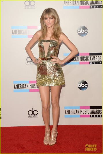 taylor-swift-amas-2013-red-carpet-05