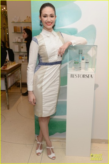 emmy-rossum-restorsea-nyc-meet-greet-01