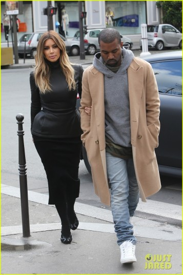 "Kanye West and Kim Kardashian have lunch at restaurant ""l'avenue"" in Paris"
