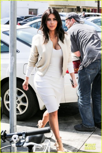 kim-kardashian-gets-ready-for-summer-with-white-dress-01