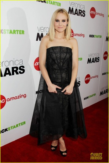 kristen-bell-chris-lowell-glam-up-the-veronica-mars-nyc-screening-01