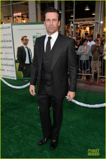 jon-hamm-lake-bell-million-dollar-arm-hollywood-premiere-03