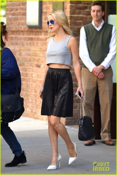 Kate Hudson shows off a little Midriff in The Big Apple