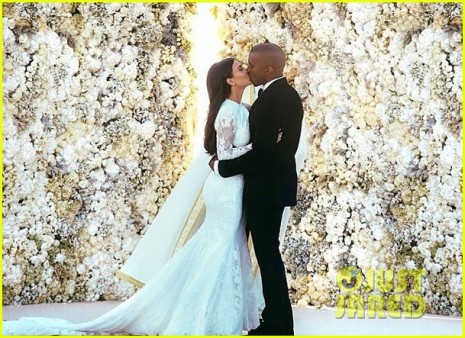 kim-kardashian-kanye-west-wedding-picture-02