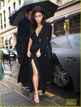 Kardashian Family Dines Out At Costes