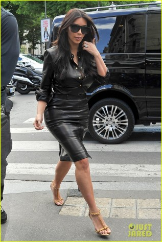 Kim Kardashian Wears A Sexy Leather Dress In Paris