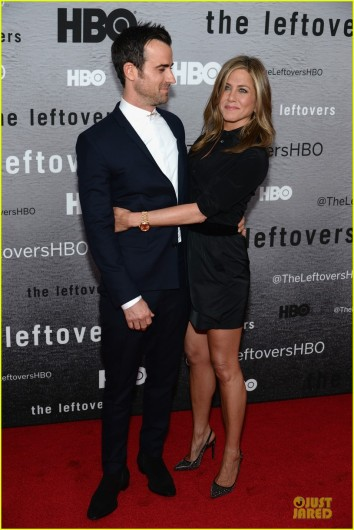 jennifer-aniston-justin-theroux-chemistry-at-leftovers-premiere-11