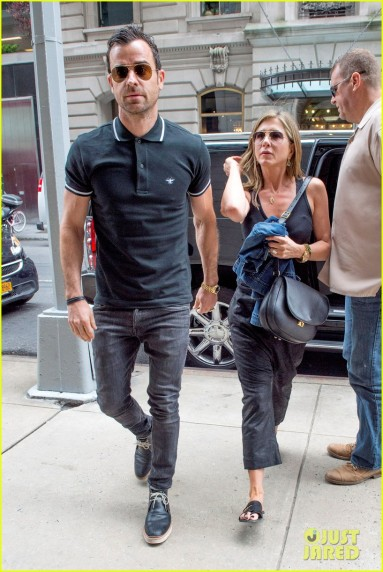Jennifer Aniston and Justin Theroux get in some Shopping Time in NYC