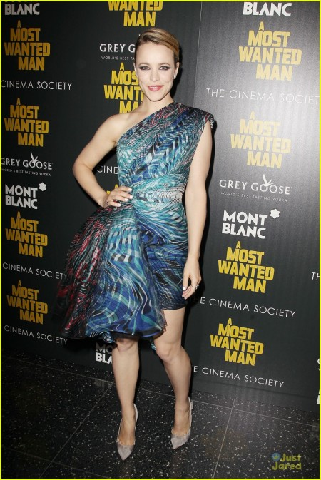 rachel-mcadams-robin-wright-most-wanted-man-premiere-01