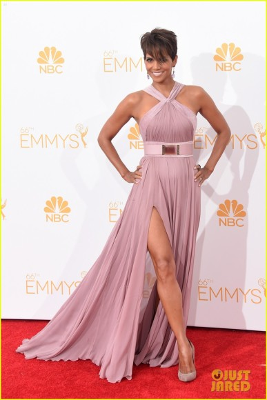halle-berry-emmys-2014-01