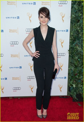 julianna-margulies-lizzy-caplan-party-before-emmys-night-03
