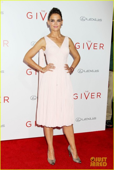 katie-holmes-meryl-streep-the-giver-nyc-premiere-01