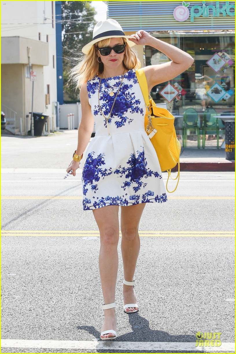 Celebrity Street Style Summer On The Streets Circus Of The Stars