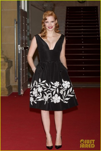 jessica-chastain-glams-up-for-disppearance-of-eleanor-rigby-03