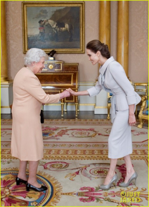 angelina-jolie-honorary-dame-queen-elizabeth-england-02