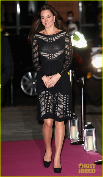 kate-middleton-stuns-in-knit-dress-at-action-on-addiction-gala-07