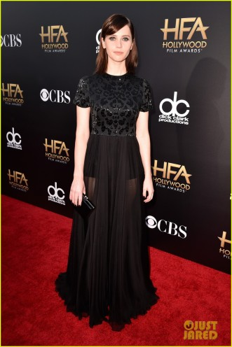 felicity-jones-supports-eddie-redmayne-hfas-05