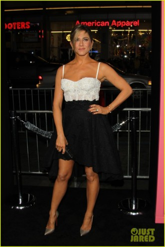 jennifer-aniston-horrible-bosses-premiere-20