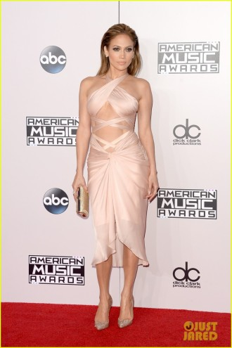 jennifer-lopez-american-music-awards-02