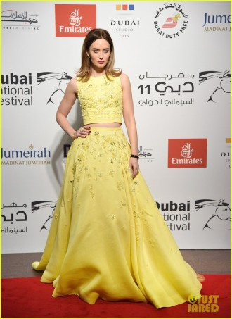 emily-blunt-olga-kurylenko-stun-at-the-dubai-international-film-festival-06