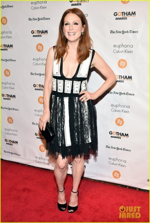 julianne-moore-wins-best-actress-at-gotham-awards-01