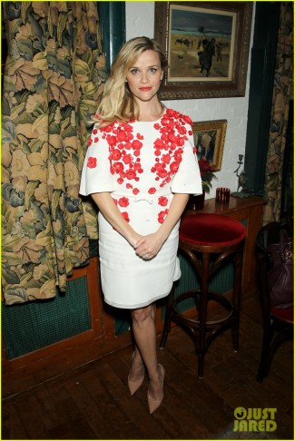reese-witherspoon-wild-side-watch-now-28