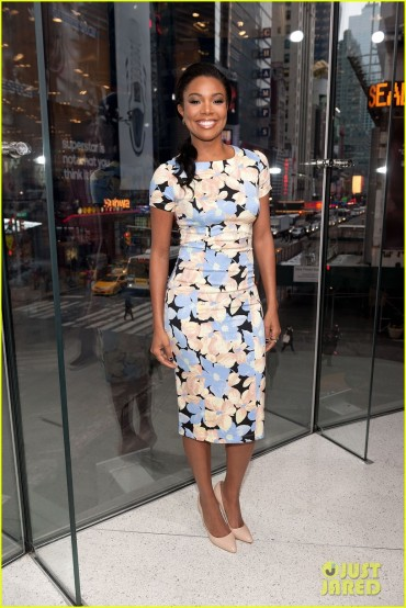"Gabrielle Union Visits ""Extra"""