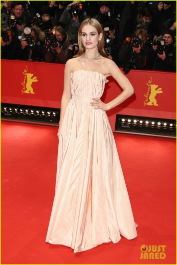 lily-james-waist-was-not-digitally-altered-in-cinderella-trailer-05