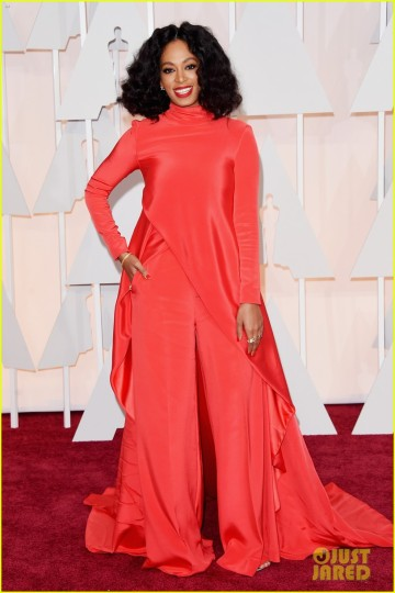 solange-knowles-hits-the-oscars-2015-red-carpet-04