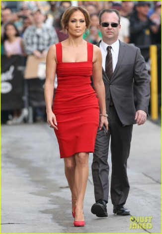 jennifer-lopez-is-red-hot-with-her-idol-men-for-kimmel-taping-01