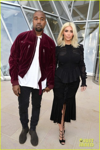 kim-kardashian-shares-adorable-pic-of-baby-north-before-louis-vuitton-fashion-show-18